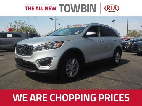 Pre-Owned 2017 KIA SORENTO LX CONVENIENCE